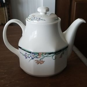 Royal Doulton China Juno 1988 Teapot